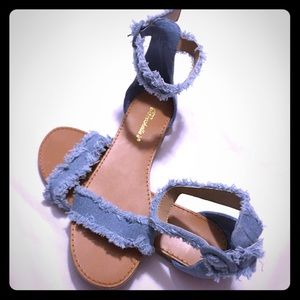 Breckelle's shine frayed denim sandals NWOT